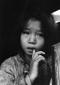 Domon Ken - Rumie 1959. Dalla serie I bambini di Chikuho (Chikuho no kodomotachi) Ken Domon Museum of Photography