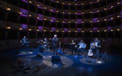 Enrico Ruggeri al Teatro Comunale di Ferrara. Se il fil Rouge è l'Amore